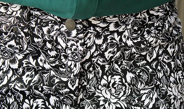 pretoebranco1 Calça estampada Preto e Branca