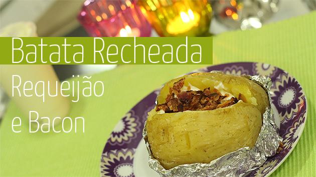 Baked Potato Batata Recheada feita no micro-ondas