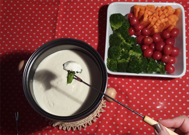fondue light 3 queijos para jantar do dia dos namorados