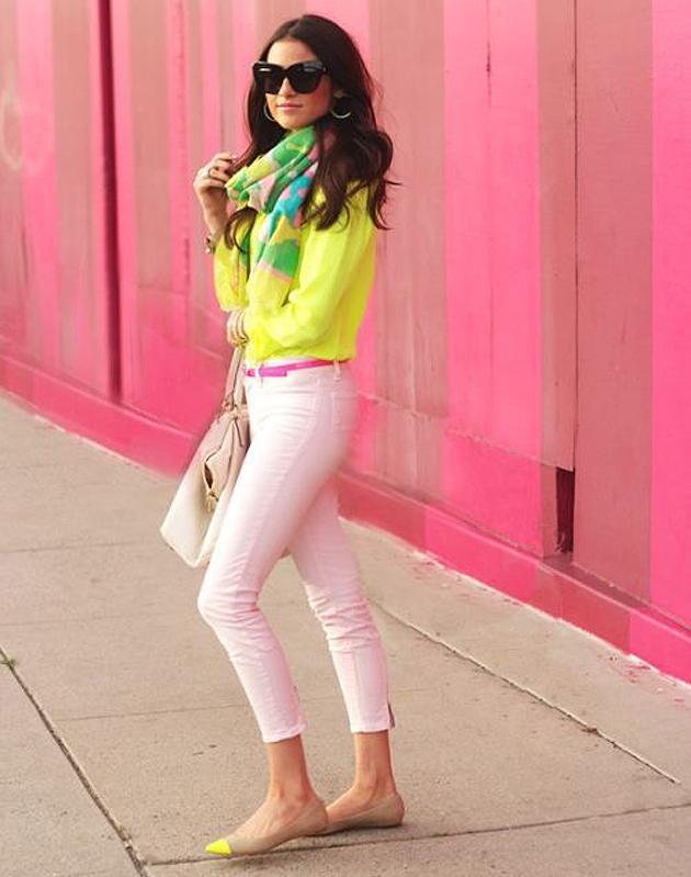 look-neon3