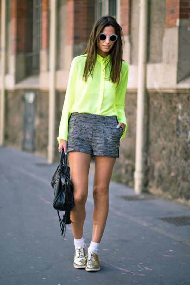 look-neon4