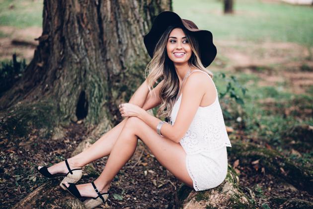 Macaquinho Branco COMO USAR - Veja um look maravilhoso para você se inspirar e copiar! Look perfeito para os dias de verão, você precisa ver.