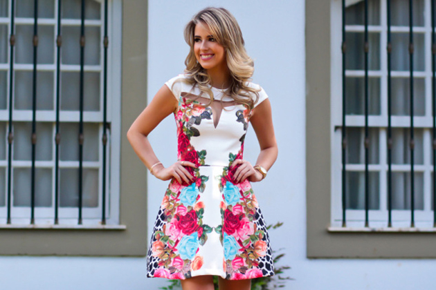 look-do-dia-look-da-noite-analoren-marina-casemiro-vestido-estampado-florido-vazado-vestido-festa-floral-azul-turquesa-pink-vermel-6