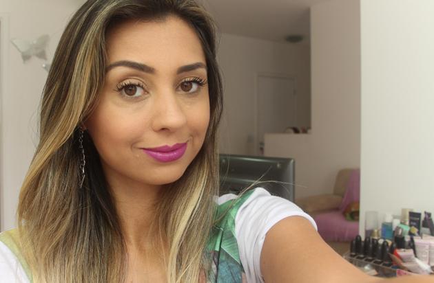 Resenha Batom Esmeralda - Pausa para Feminices T.blogs
