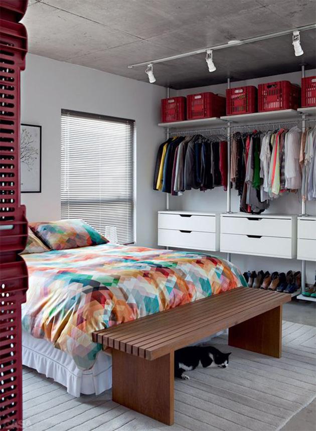 como ganhar mais espaço no guarda-roupa