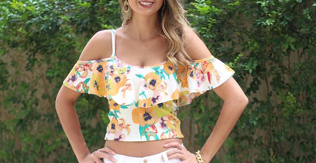 Look com blusinha ombro-a-ombro