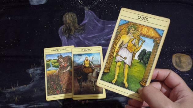 Tarot não é adivinhação quer entender o tarot como usar o tarot veja tudo sobre tarot