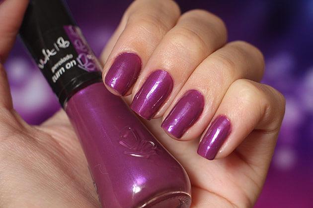 Esmalte Turn On Perolado Vult esmalte roxo com brilho
