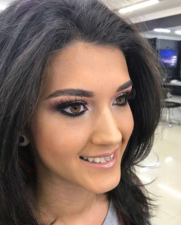 Maquiagem Romântica para Madrinha de Casamento passo a passo