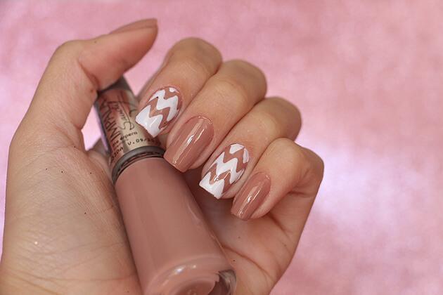Nail Art ondulações - esmalte Me Poupe Impala