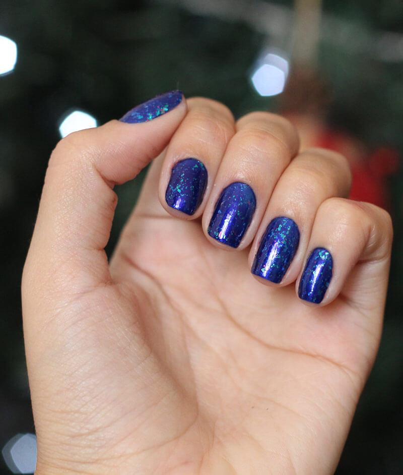 esmalte para festa azul cintilante com brilho flocado esmalte colorama esmalte hits
