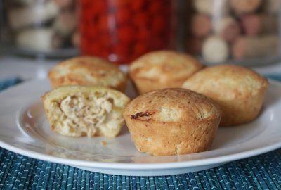 Receita Low Carb Empadinha de Frango - aprenda como preparar em casa essa deliciosa receita LOW CARB, fácil e muito rápido para fazer! Uma delicia para não sair da dieta.
