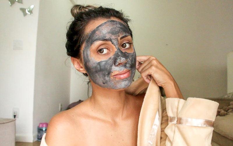 Máscara Facial L'Oréal Paris Detox Argila Pura Iluminadora - RESENHA COMPLETA COM TESTE DO PRODUTO EM VÍDEO E FOTO DE ANTES E DEPOIS! Onde encontrar e valores, você encontra aqui.