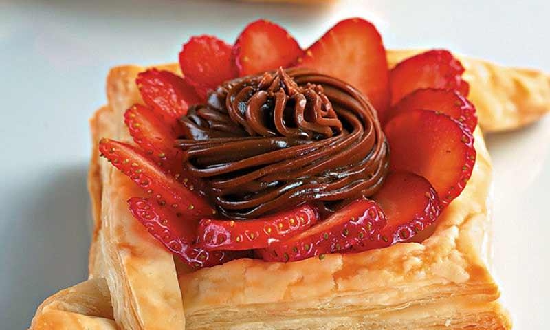 Receitas para o almoço de dia das mães 2018 (SOBREMESAS) - Você vai ficar babando com as nossas sugestões de receitas de sobremesas para o almoço do dia das mães! Muito morango e chocolate!