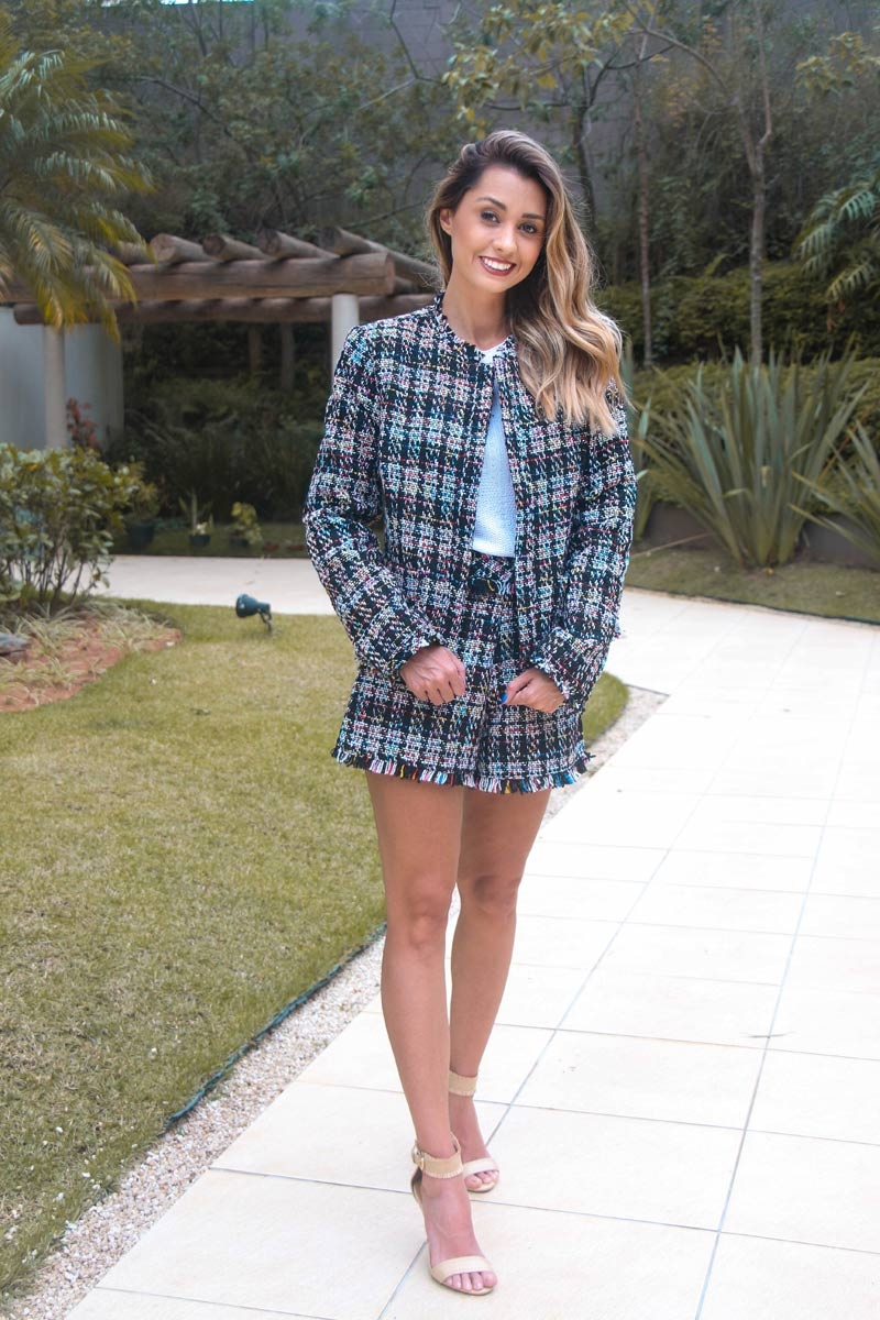 Look do Dia Conjuntinho Tweed [LINDO] - veja como usar esse tecido que é cara do outono inverno! Uma dica de look casual e super fashion para você arrasar! #tweed #lookdodia #comousartweed #lookinverno #lookfrio #trico #comousartrico