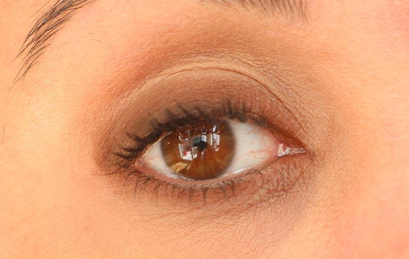 Lápis Kajal Natura Aquarela [RESENHA COMPLETA COM FOTOS] - quer saber todos os detalhes desse lápis para olhos da Natura?! Confira o melhor post cheio de fotos e informações. #maquiagem #resenha #natura #produtos #teste #lapisolhos #lapismarrom