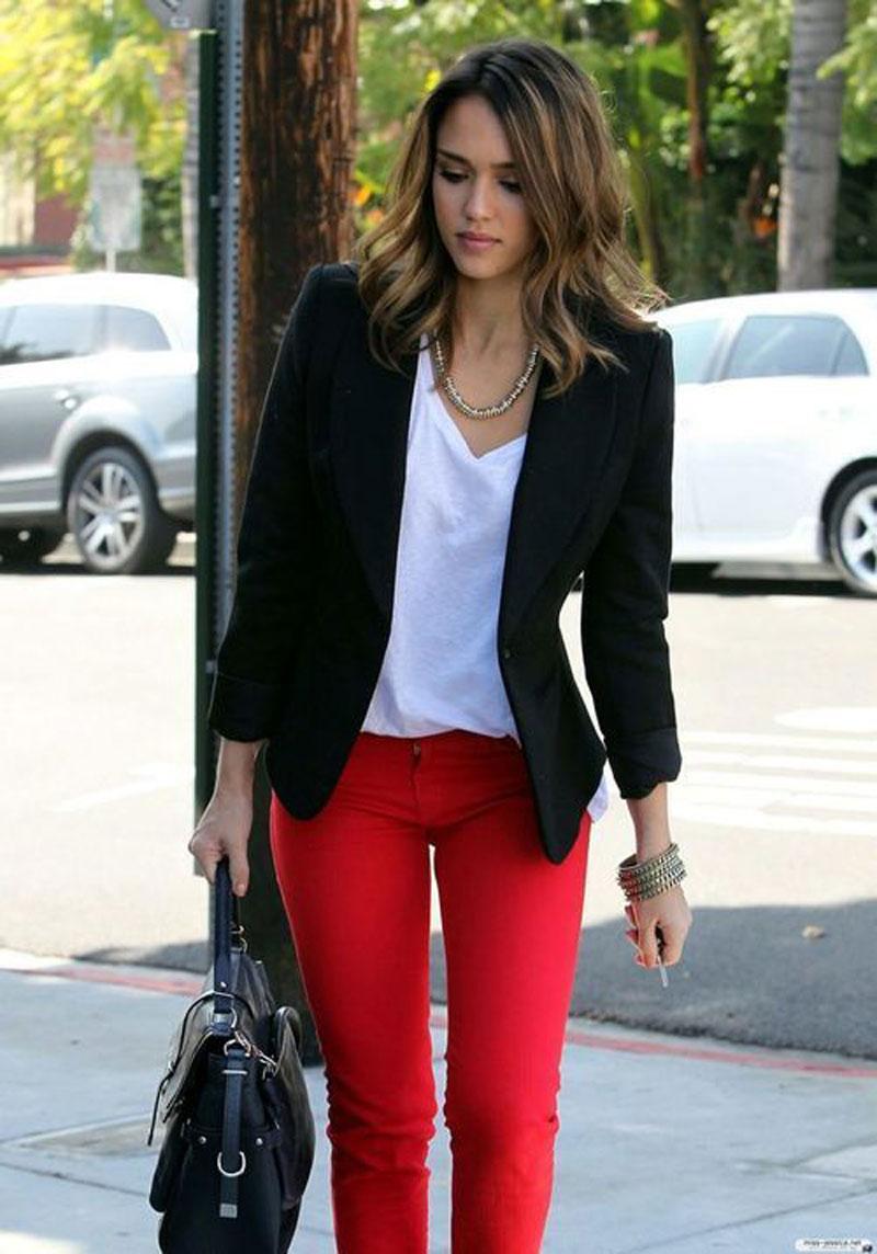 COMO USAR CALÇA VERMELHA - as melhore dicas e inspirações de looks para você montar looks lindos com calça vermelha! CONFIRA AGORA as melhores dicas.