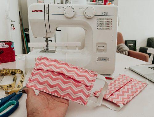 MASCARA DE TECIDO MOLDE - COMO FAZER - veja um passo a passo em vídeo com todas as medidas para você fazer em casa a sua máscara de tecido! Da para fazer na máquina de costura ou a mão!