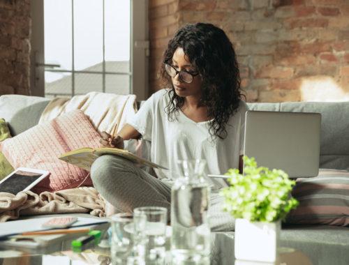 Renda extra na internet - ganhe dinheiro trabalhando em casa - veja a nossa dica para ganhar dinheiro e aumentar a renda online. Seguro e confiável