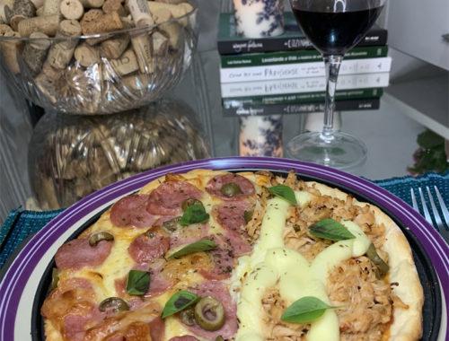 MASSA DE PIZZA FÁCIL - Veja o passo a passo de uma deliciosa e pratica pizza caseira! A melhor e mais fácil massa de pizza para fazer em casa. VEJA