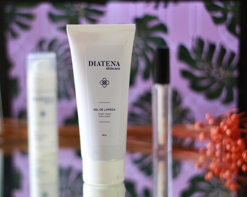 Minha rotina de skincare - confira todos os detalhes dos produtos da DIATENA para cuidados faciais. Produtos para limpeza, hidratação e cuidados dos labios.
